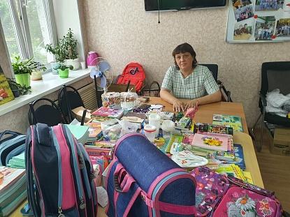За парту – в полной готовности. Депутат Анна Павлова помогает школьникам из малоимущих семей